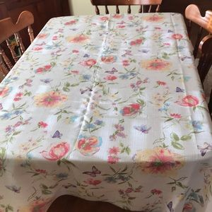 "Spring Tablecloth 56"" x 98"""
